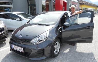 Fahrzeug-Übergabe Dijana Foric KIA RIO