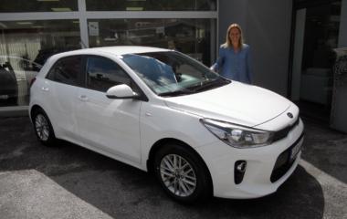 Fahrzeug-Übergabe Nancy Bakker KIA Rio