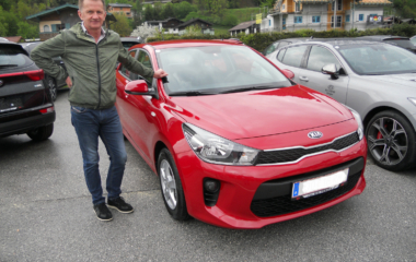 Fahrzeug-Übergabe Johann Ofensberger KIA Rio
