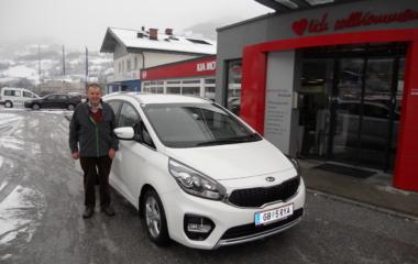 Fahrzeug-Übergabe Johann Wimmer KIA CARENS